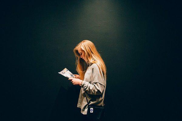 đọc tư liệu trước khi viết tiểu thuyết